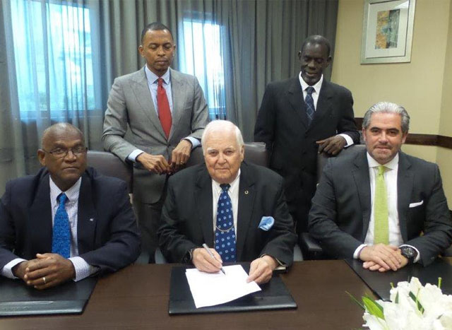 Seated left to right are: Mr Keith Joseph (Secretary-General/CANOC), Mr. Steve Stoute (President.CANOC), Mr. Emanuel Macedo de Madeiros/CEO, ICCS Europe/Latin America Back Row: Mr. Brian Lewis, Member CANOC Executive/President of Trinidad and Tobago Olympic Committee (TTOC) and Mr.Alphonso Bridgewater, Member CANOC Executive/President St. Kitts and Nevis Olympic Committee (SKNOC
